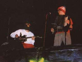 Here's Mustardfish at Gully Unplugged in Spring 2002!