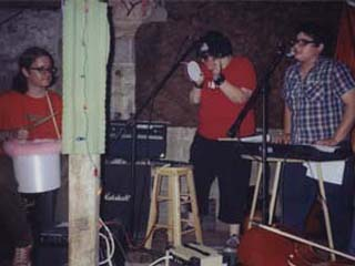 RØB rocking out with Cuando Greg & The Chives (Nicole MADDEN, Jaffa AHARONOV) sometime in 2004 maybe?
